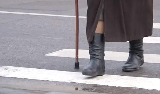 Госполиция учит пожилых людей правильно участвовать в дорожном движении