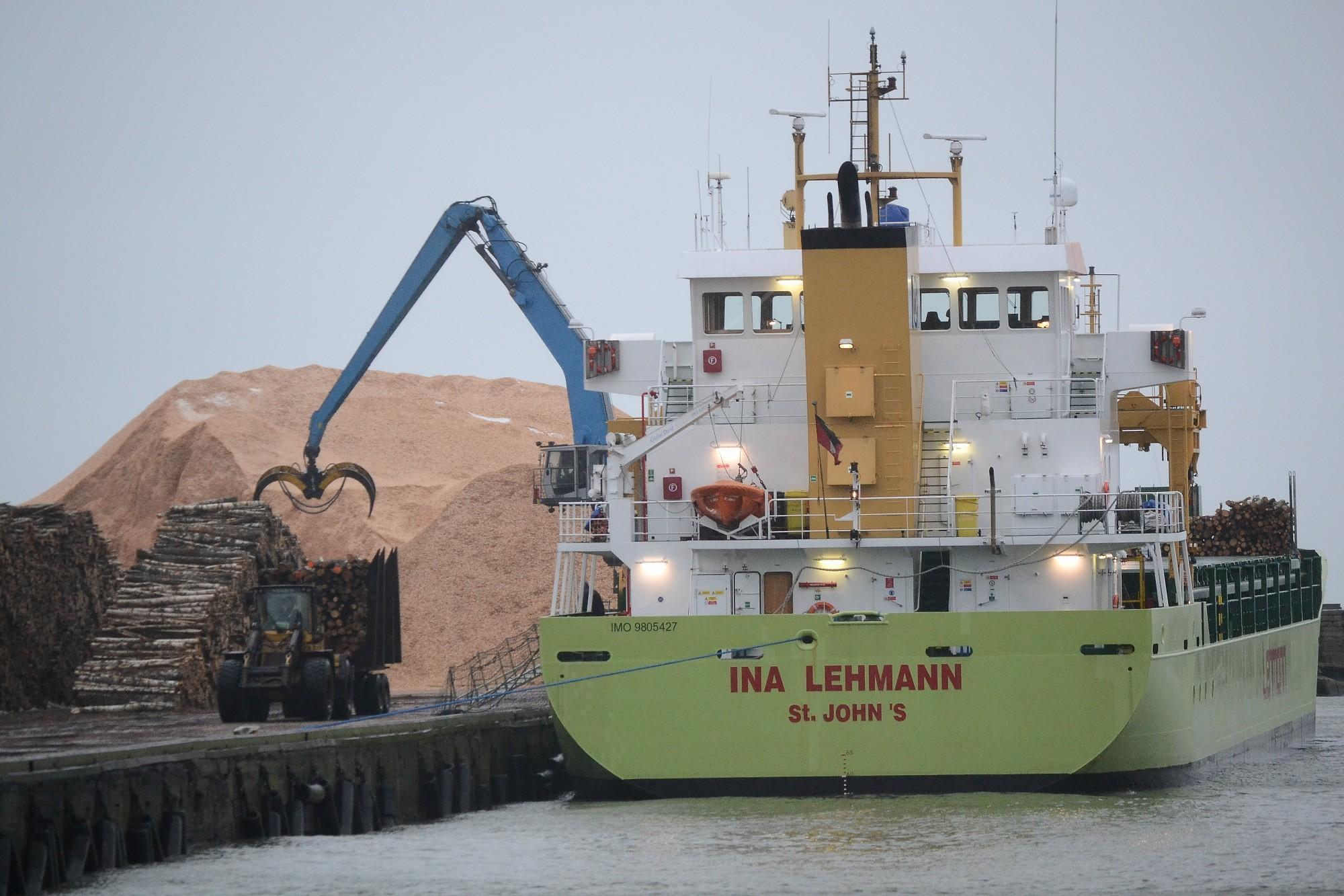 Грузооборот Лиепайского порта за два месяца упал на 14,6%