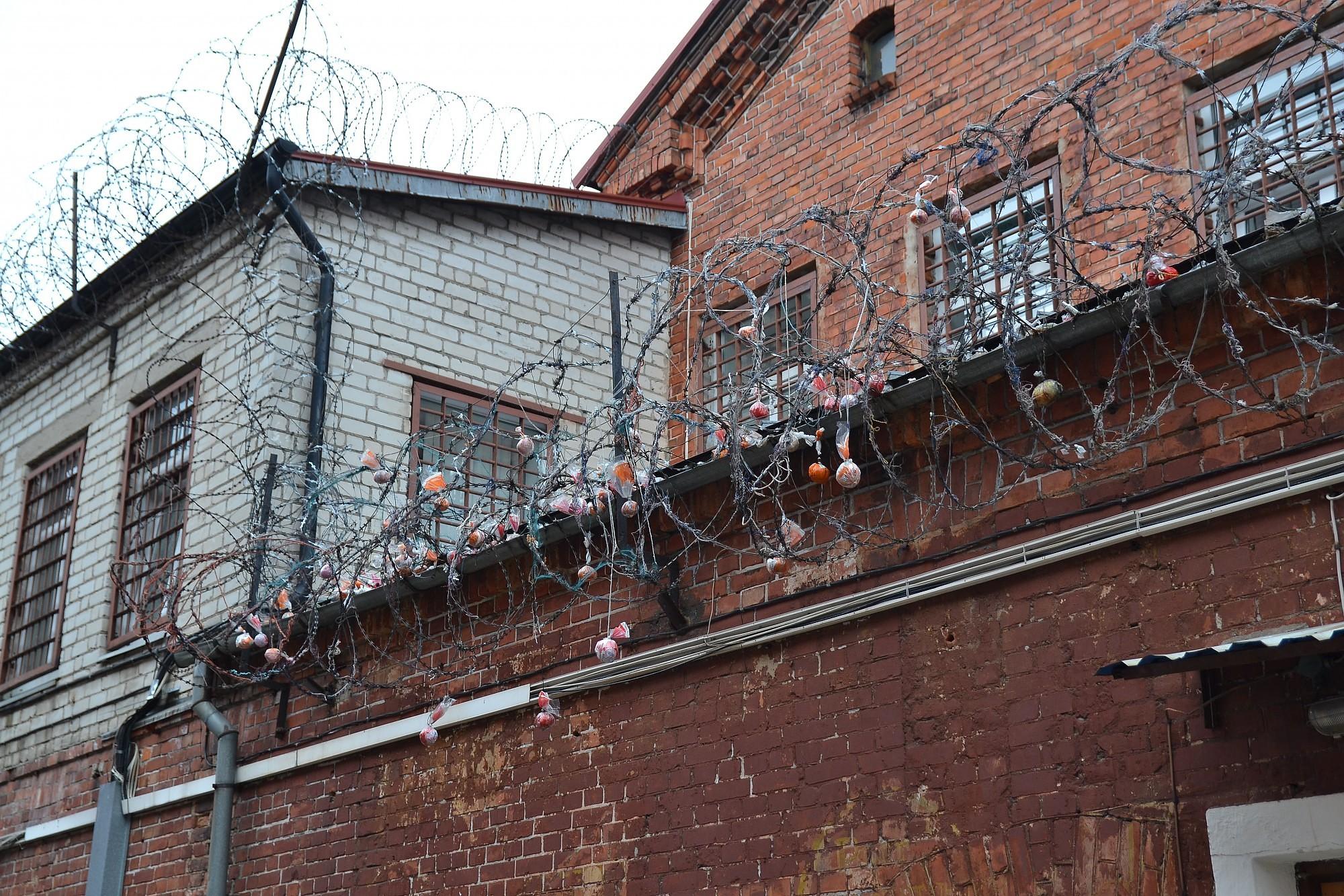 Источник доходов за тюремными стенами