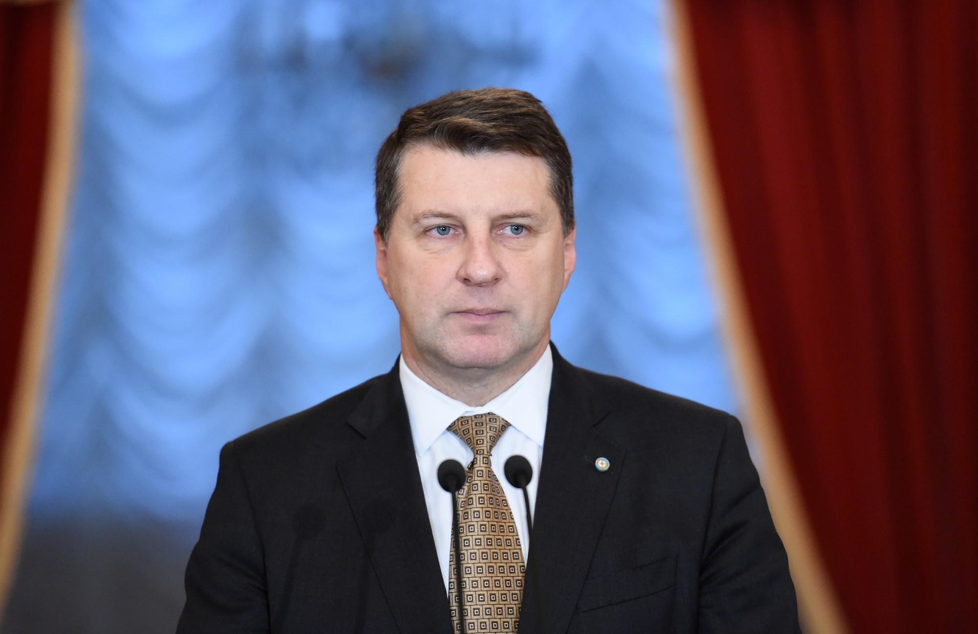 Президент Вейонис не будет баллотироваться на второй срок