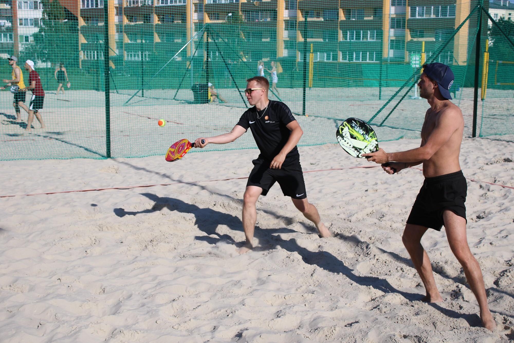 В пляжной лиге проведены первые этапы