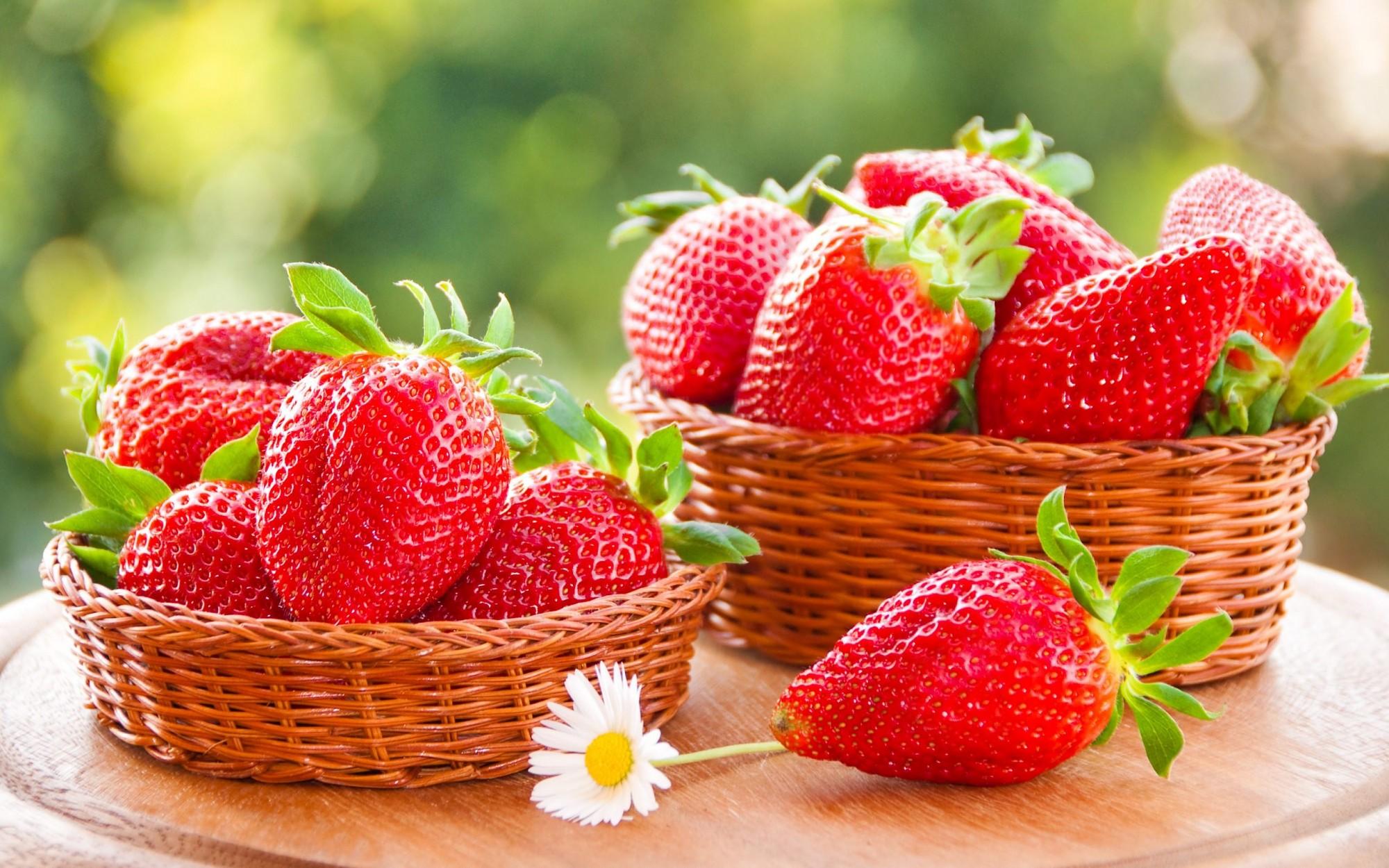 Местного ли поля ягодка?