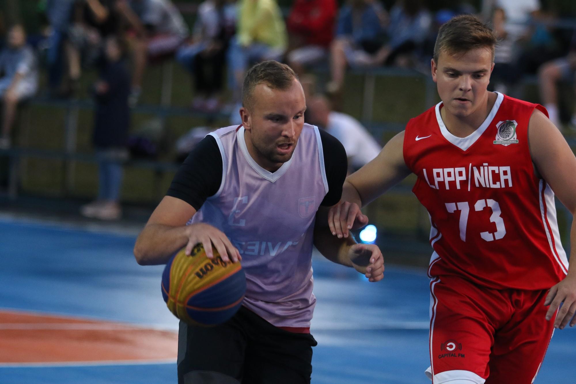 Выяснены чемпионы Лиепаи по стритболу