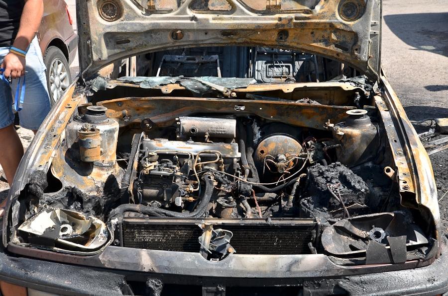 Ночью сгорели две автомашины