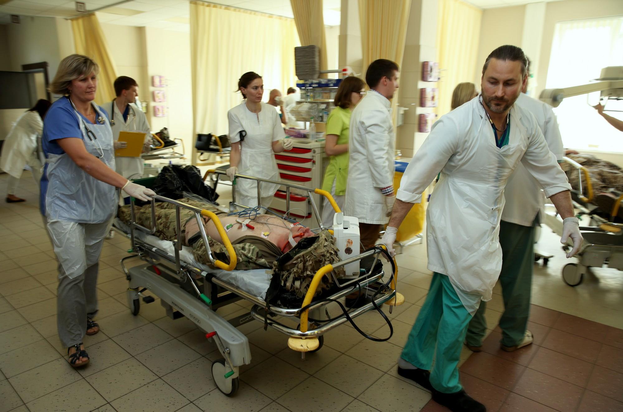 В Латвии продолжает уменьшаться число врачей