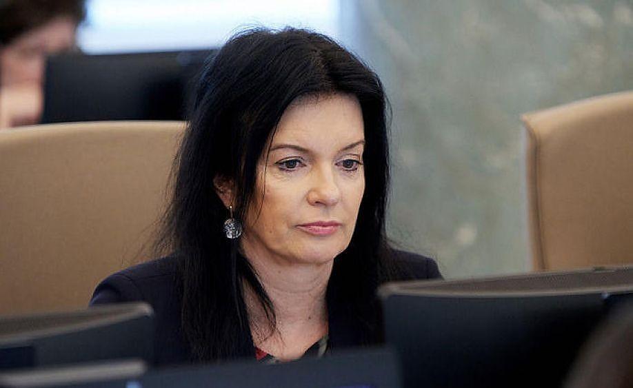 Петравича обещает найти деньги для компенсации услуг по доставке пенсий на дом