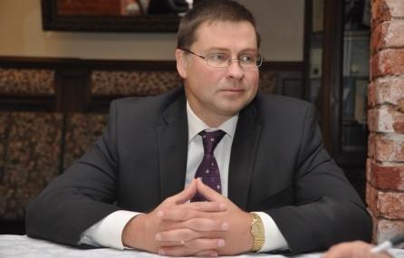 Домбровскис будет исполнительным вице-президентом Еврокомиссии по финансовым услугам и экономике