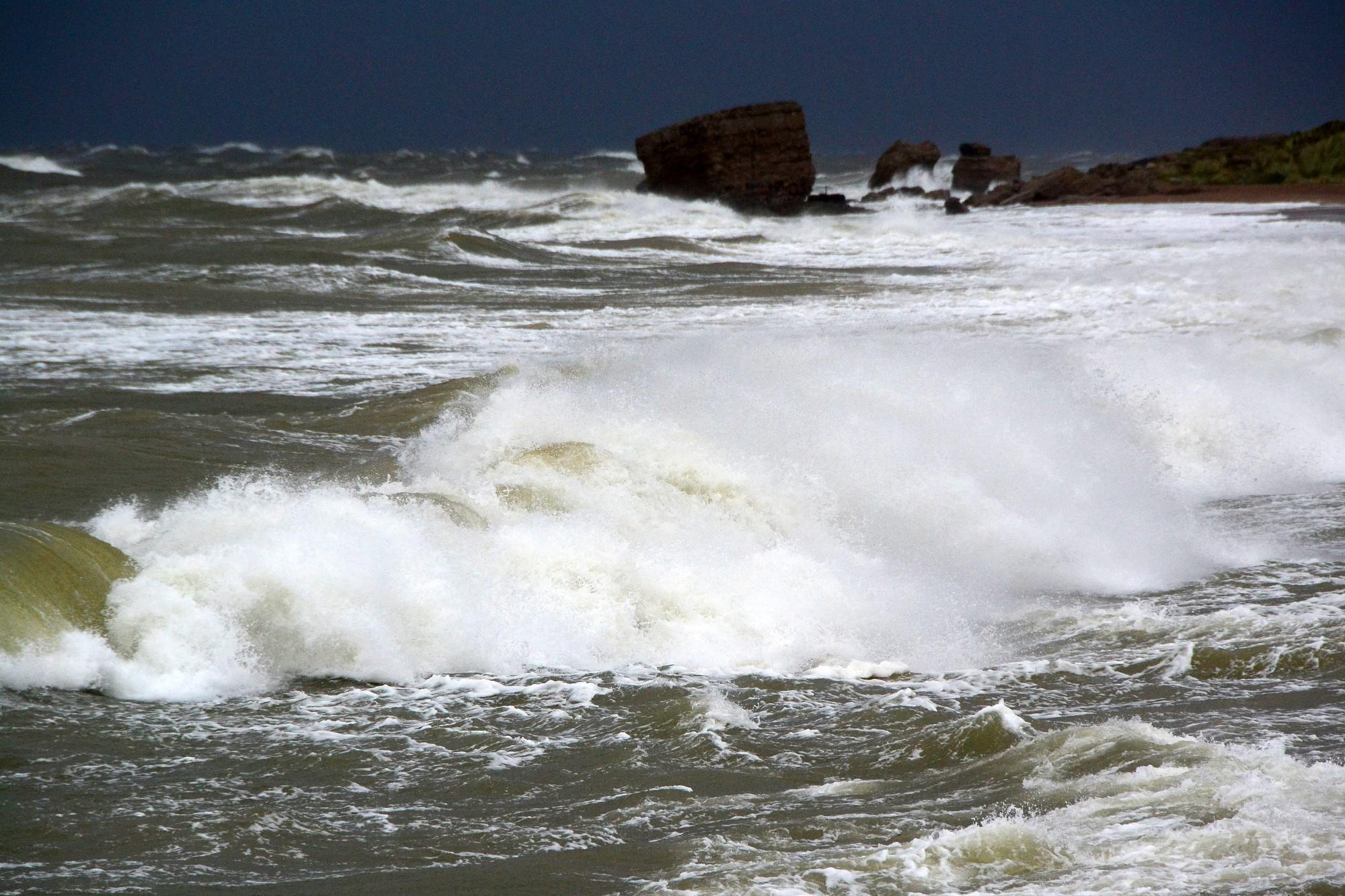 Ночью в Лиепайском порту зафиксированы порывы ветра до 22 метров в секунду