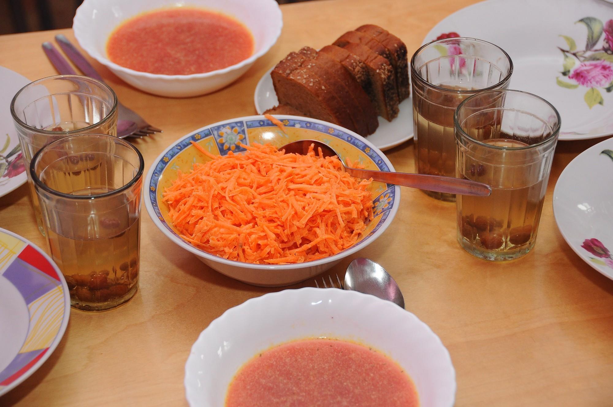 Самоуправления должны будут участвовать в финансировании школьных обедов