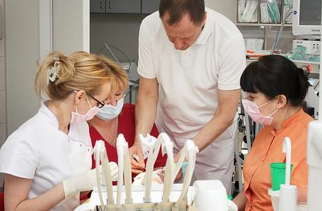 Лечение зубов под наркозом – как это происходит?