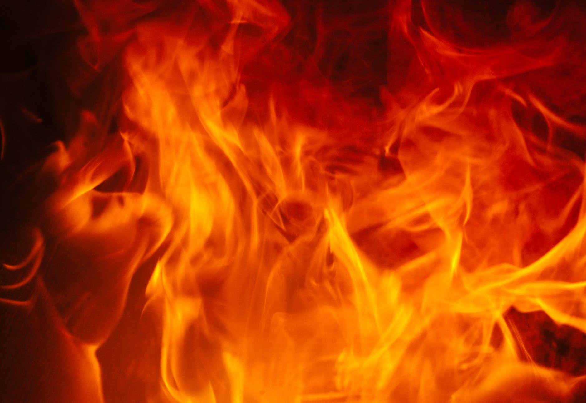 На улице Киегелю горел гараж