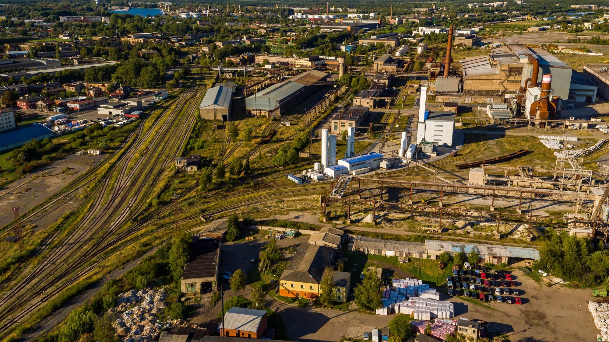 Начинают хранение грузов Лиепайского порта на территории бывшего «Лиепаяс металургс»