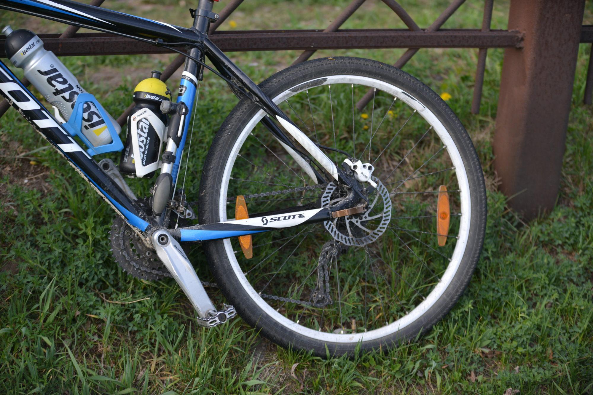 Упала с велосипеда и попала в больницу