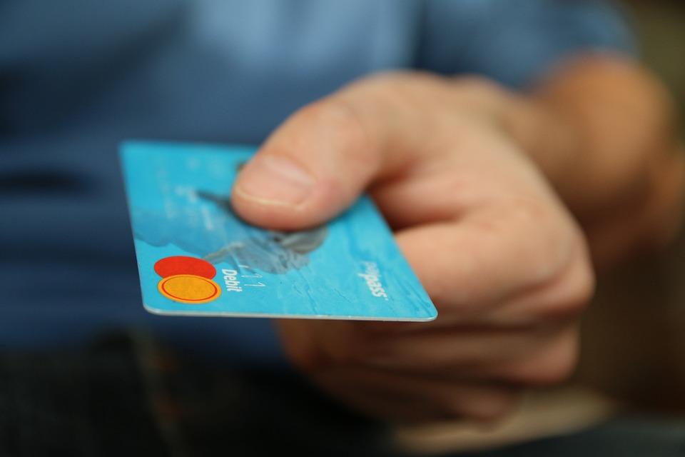 Во время чрезвычайного положения лимит бесконтактных платежей без PIN-кода составит 50 евро