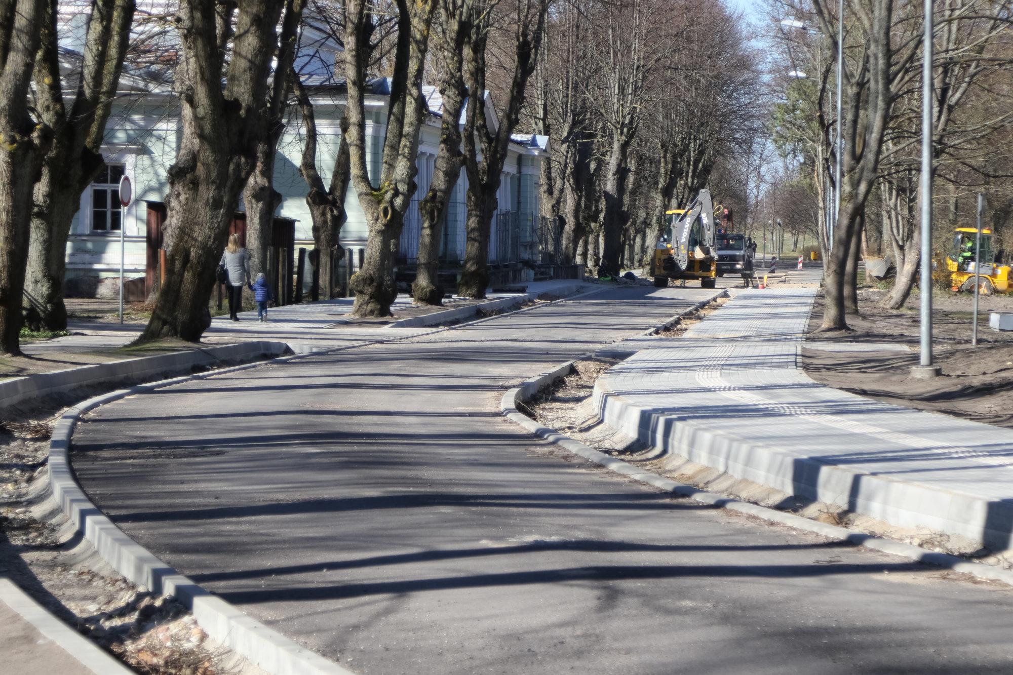 Возобновлены строительные работы на улице Пелду