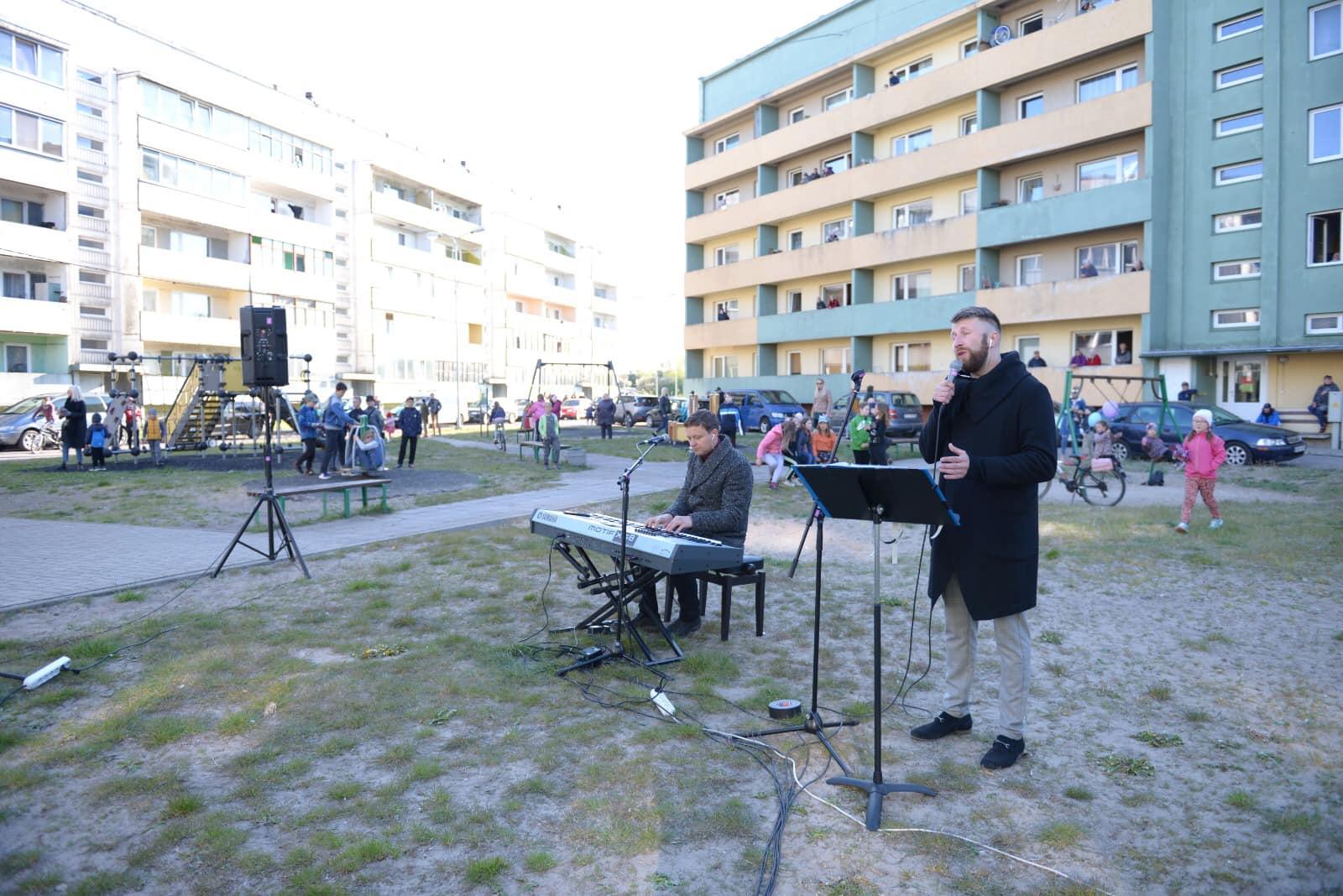 Жители Зелёной рощи солнечным и тёплым вечером насладились концертом