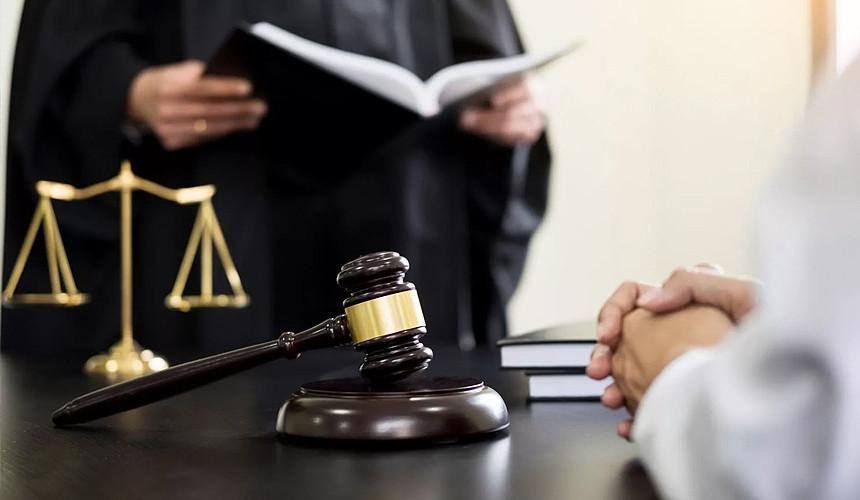 Замешанный в деле о коррупции Андрияускас судится с ГПСС