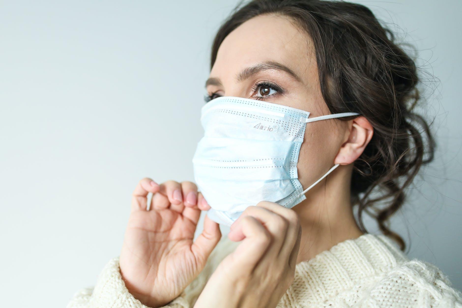 Со среды ношение масок в общественном транспорте больше не будет обязательным