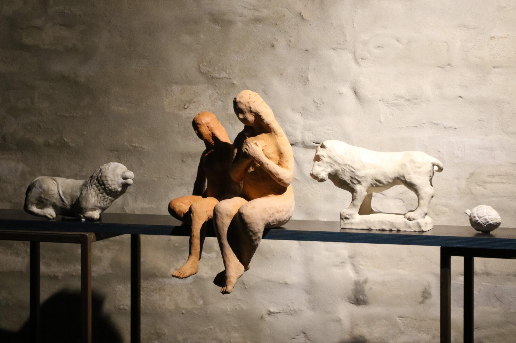 В галерее «Ромас дарзс» открыты сразу две выставки
