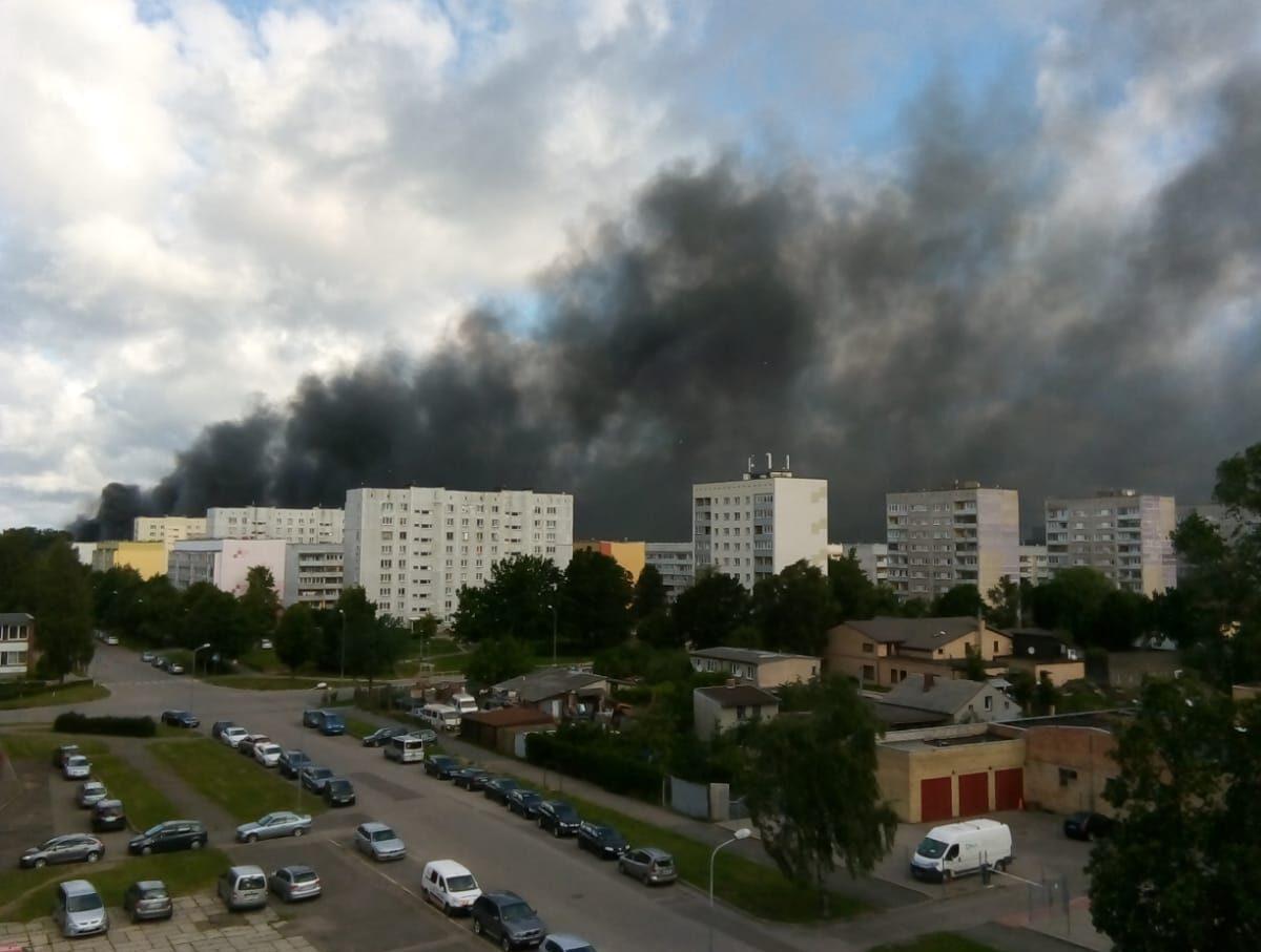 В зерновом терминале порта возник пожар повышенной опасности
