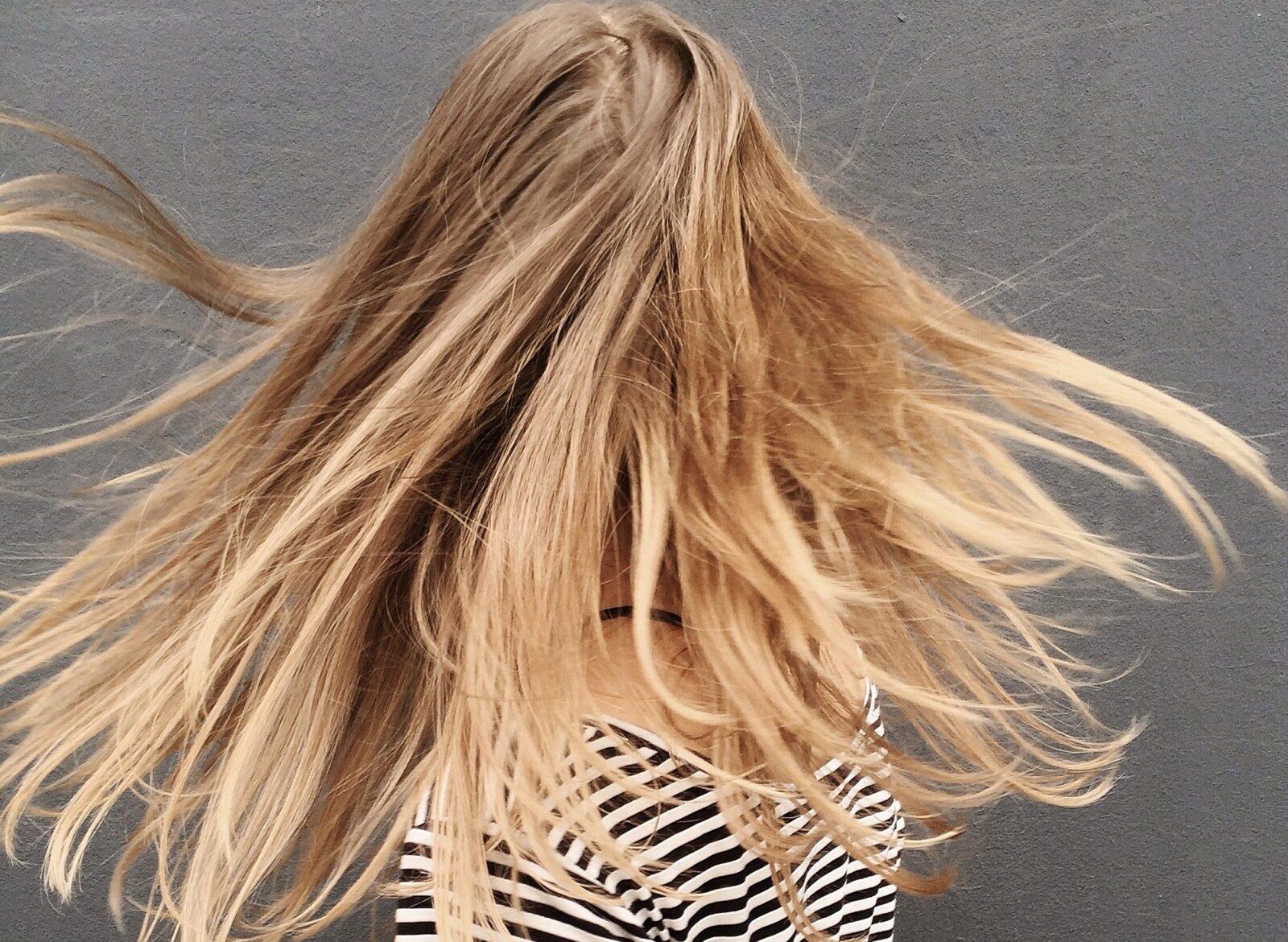 Насекомые в волосах? Фармацевт советует, что предпринять и как избежать заражения
