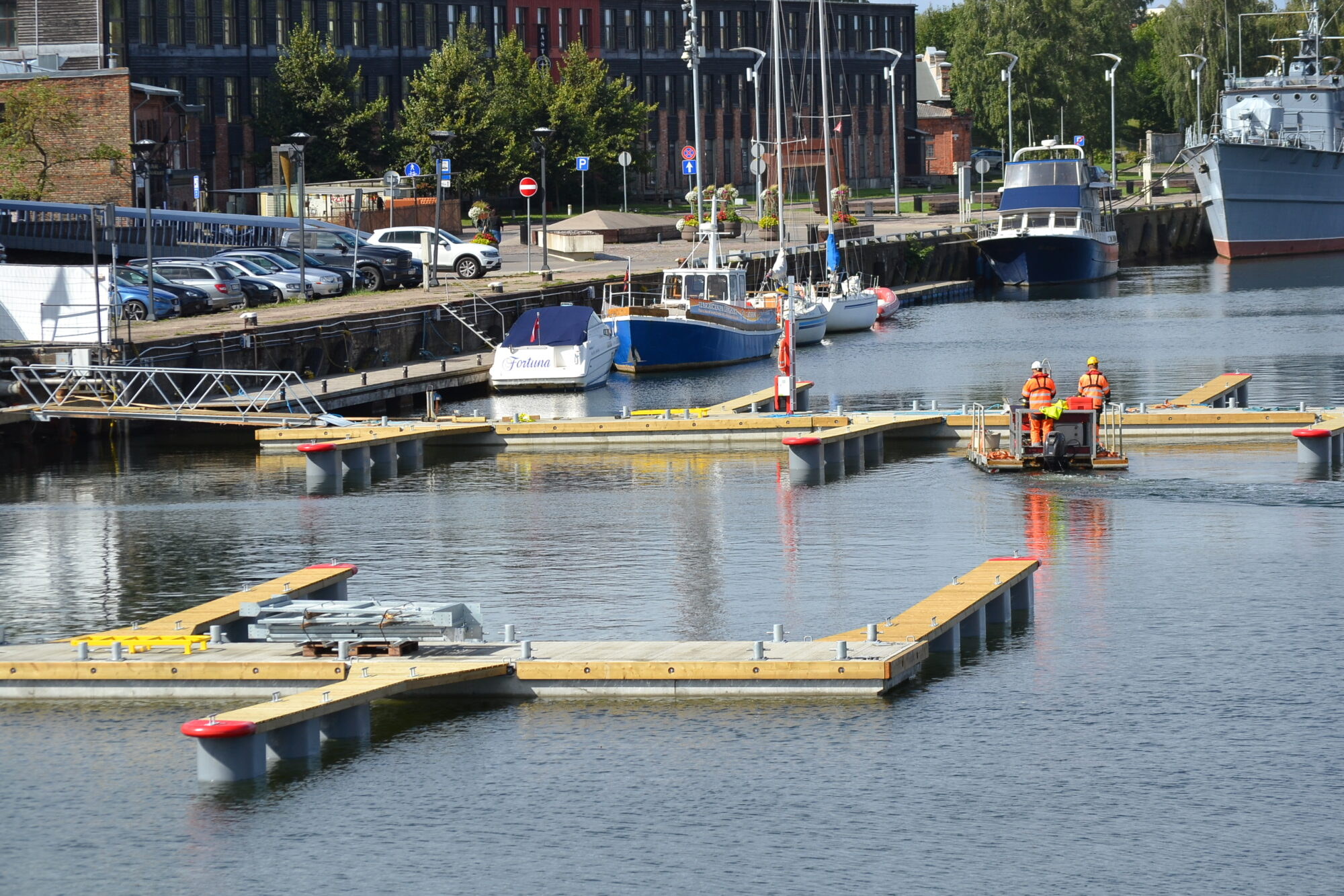 Яхтенный порт обретает новые очертания