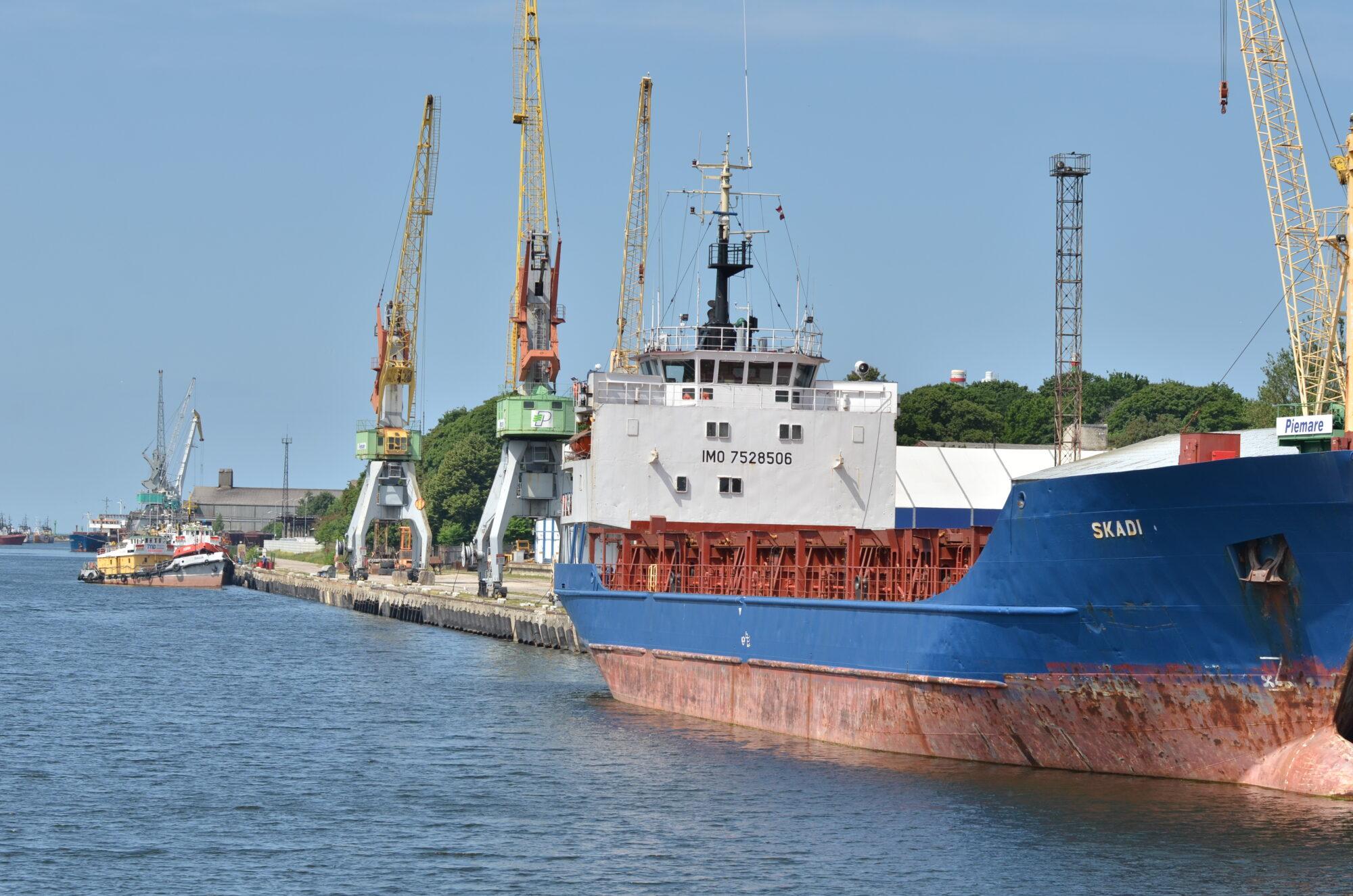 В Лиепайском порту за восемь месяцев грузооборот сократился на 14%