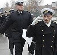 Чествуют самых активных военных моряков