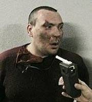 Пьяный охранник напал на начальника дорожной полиции