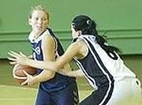 Баскетболистки разгромили аутсайдеров