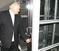 Для удобства посетителей оборудован лифт