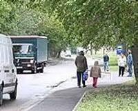 Привести в порядок Военный городок помогли добровольные помошники