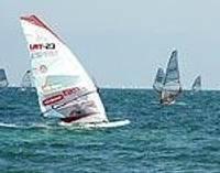 Павилостский ветер баловал серфингистов