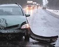 В аварии на обледенелой дороге пострадал 2-летний малыш