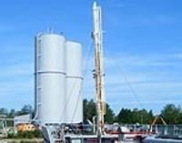 Башни-близнецы принимают груз с первого судна