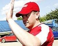 Автогонщик Мартиньш Бучиньш после аварии