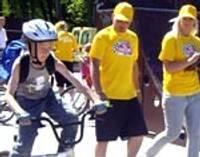 Юные велосипедисты показывали свои умения