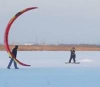 С воздушными змеями – по льду озера