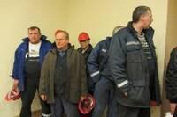Работников завода призывают отстаивать права при увольнении