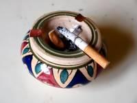 Oсознанное курение при ребенке признано насилием