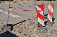 Плохие дороги ежегодно обходятся водителям в 500 млн латов