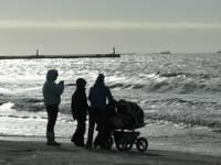 Рождаемость немного выросла, но Латвия все равно вымирает