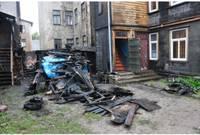Сгорели два сарая и пострадал жилой дом