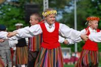 Латвия вводит выходной на Праздник песни