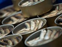 Завод снизил цены на консервы, поставляемые в Россию