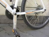 Велосипедист врезался в автобус