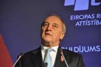 Президент: Латвия должна стремиться к добрососедским отношениям с Россией