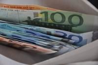 Комиссия Сейма поддержала ограничение суммы пожертвований партиям 30% от доходов физлица