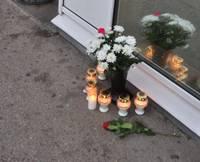 В месте обрушения «Maxima» вспоминают жертв золитудской трагедии