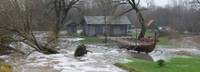 В реках продолжает подниматься уровень воды
